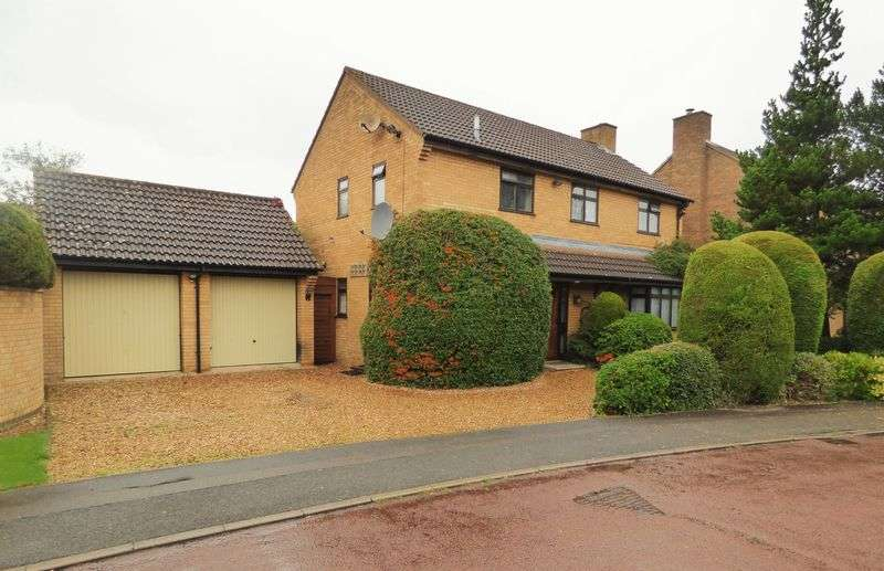 4 Bedrooms Detached House for sale in Wood Avens Close, Northampton
