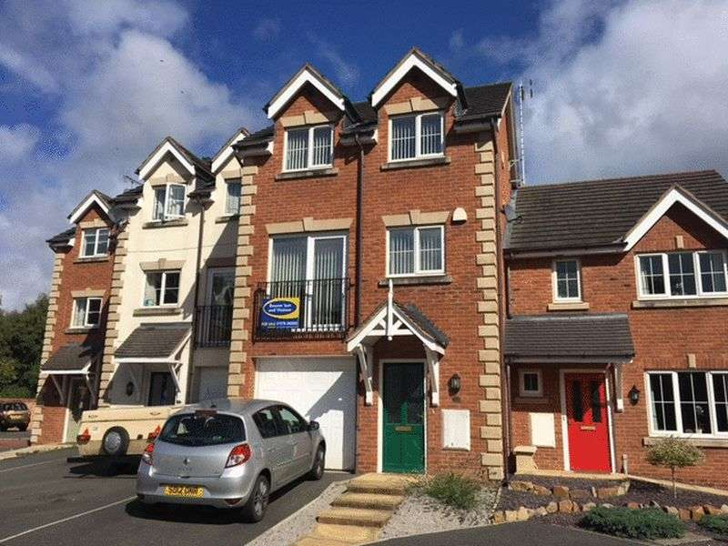3 Bedrooms Terraced House for sale in Wynnstay Gardens, Wrexham