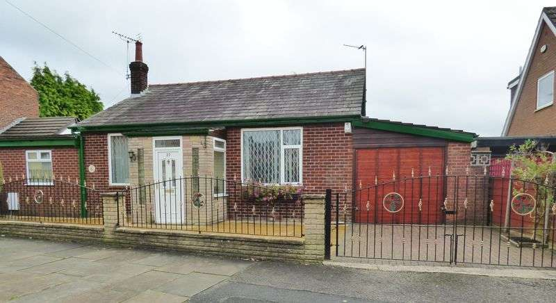 4 Bedrooms Detached Bungalow for sale in Whittles Avenue, Manchester