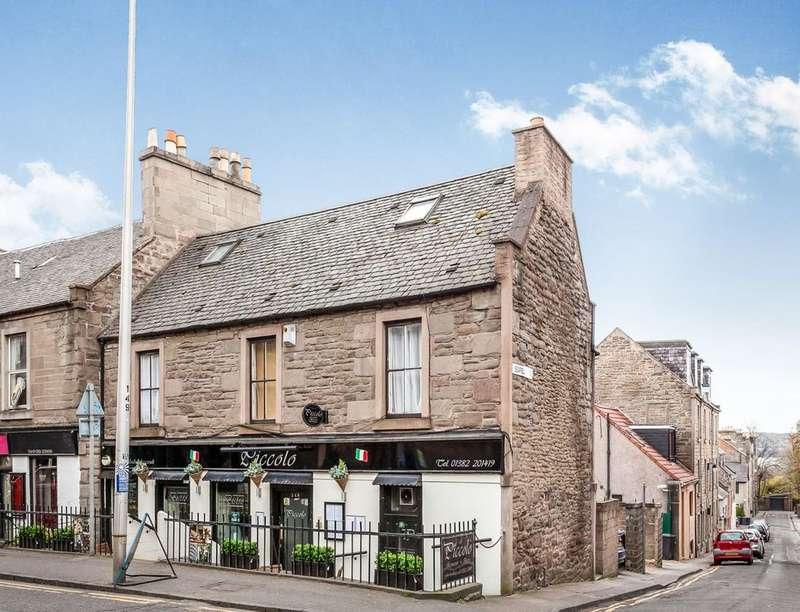 3 Bedrooms Flat for sale in Seafield Road, Dundee, DD1