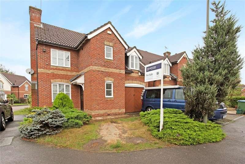 3 Bedrooms Detached House for sale in Dixon Drive, Weybridge, Surrey, KT13