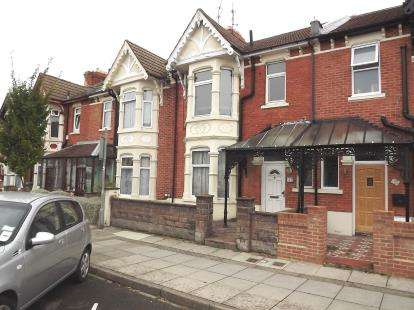 1 Bedroom Flat for sale in Portsmouth, Hampshire, England