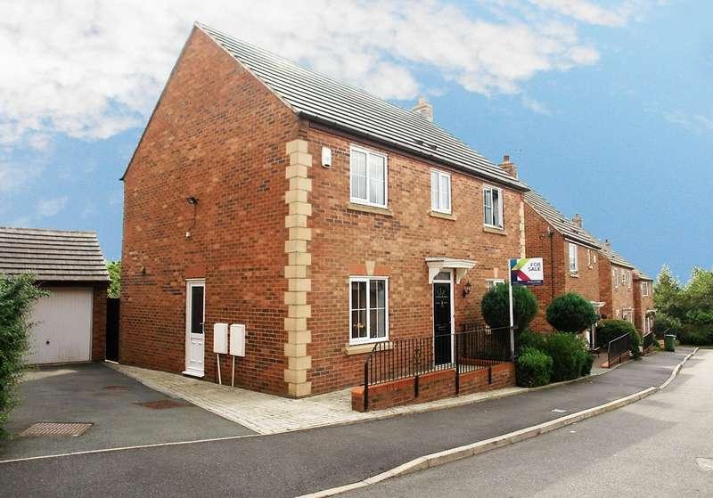 4 Bedrooms Detached House for sale in 31 Goldsworth Road, Moorside