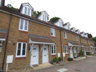 3 Bedrooms Terraced House for sale in Bridgeside Mews, Maidstone, Kent