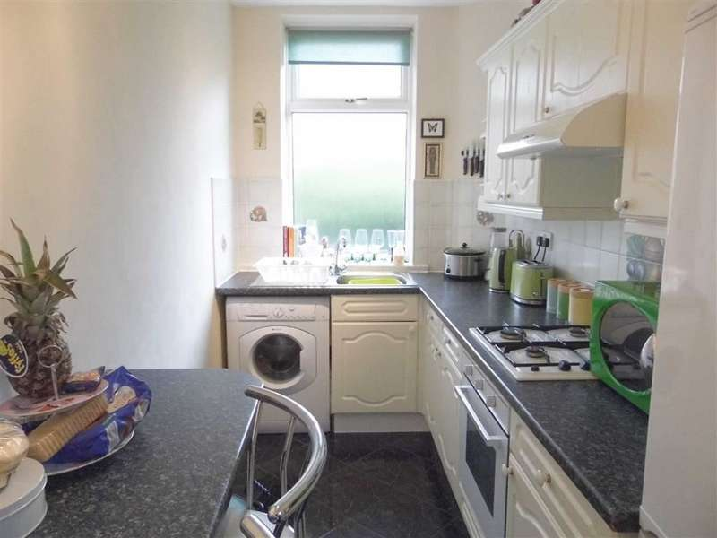 2 Bedrooms Property for sale in 12, Mount Street, Cowlersley, Huddersfield