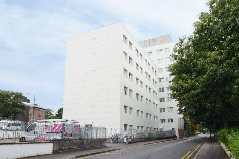 2 Bedrooms Property for sale in Prince Of Wales Road, Bournemouth