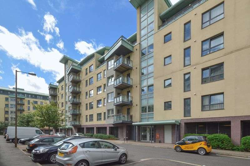 2 Bedrooms Flat for sale in 2/1 Portland Row, The Shore, Edinburgh, EH6 6NH