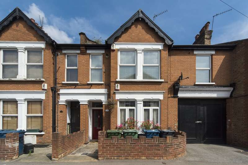 2 Bedrooms Flat for sale in masons ave, harrow, Middlesex, HA3