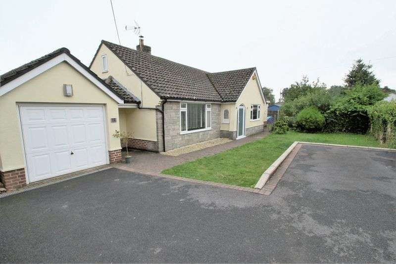 5 Bedrooms Detached Bungalow for sale in Uplands Close, West Moors, Ferndown