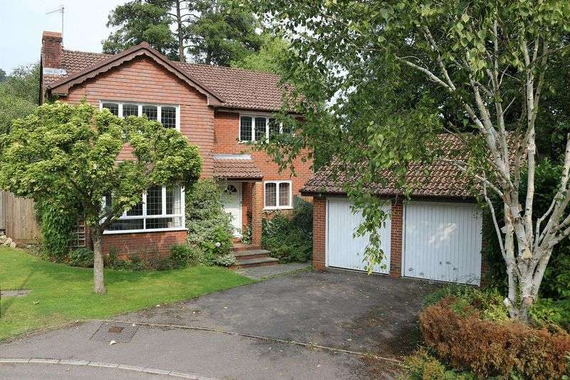 4 Bedrooms Detached House for sale in Haslemere