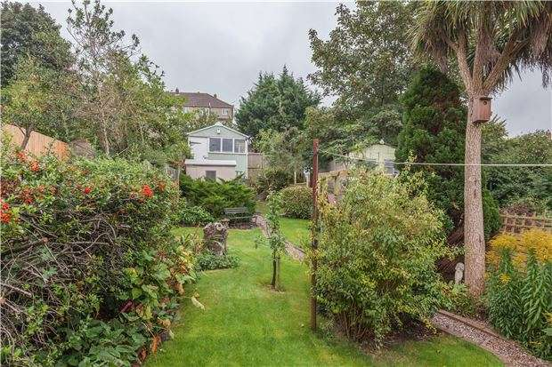 3 Bedrooms Terraced House for sale in Shaldon Road, Horfield, Bristol, BS7 9NN