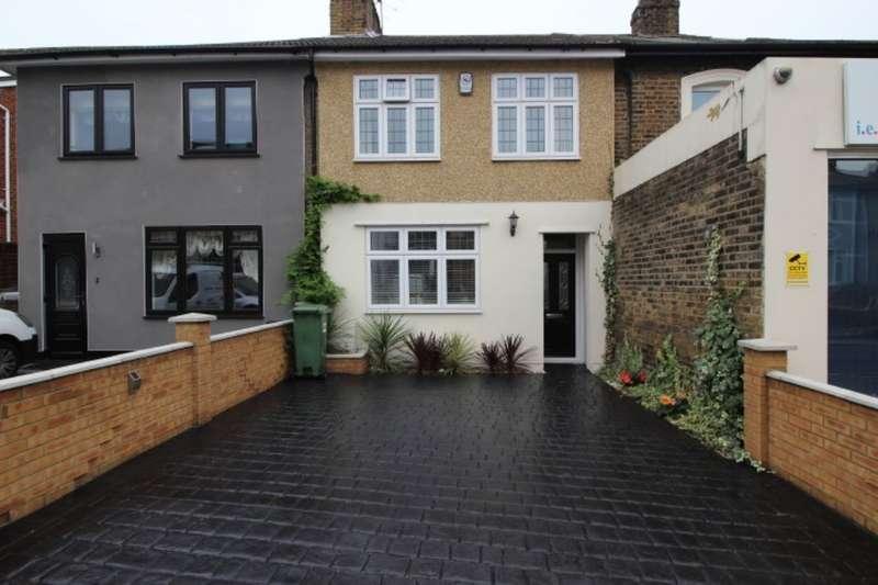 3 Bedrooms Semi Detached House for sale in Nuxley Road, Belvedere, DA17