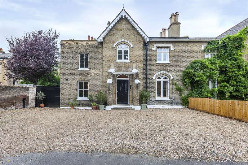 6 Bedrooms Semi Detached House for sale in Quentin Place, London, SE13