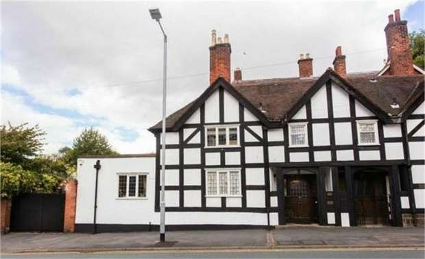 4 Bedrooms Semi Detached House for sale in Beacon Street, Lichfield, Staffordshire