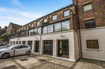 3 Bedrooms House for sale in Postern Close, York, North Yorkshire, England