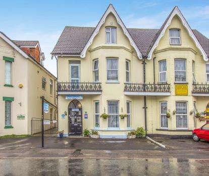 7 Bedrooms Hotel Commercial for sale in Bournemouth, Dorset