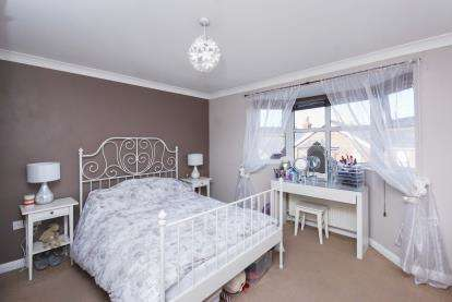 1 Bedroom Flat for sale in Drake Road, Newport, Isle Of Wight