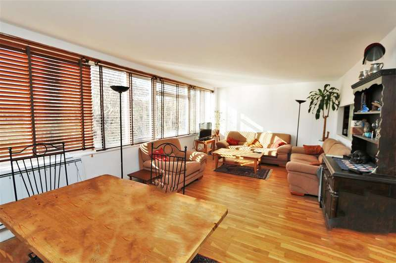 2 Bedrooms Apartment Flat for sale in Rydal Court, The Downs, Wimbledon