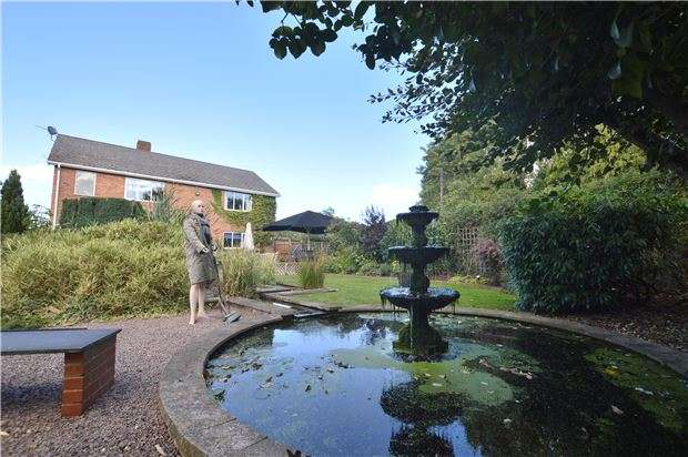 4 Bedrooms Detached House for sale in Churchend, Twyning, TEWKESBURY, Gloucestershire, GL20 6DA