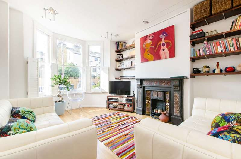 2 Bedrooms Flat for sale in Holmewood Road, Brixton, SW2
