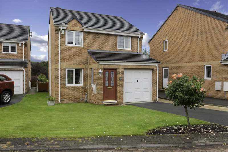 3 Bedrooms Detached House for sale in St. Benedicts Drive, Bramley, Leeds, LS13