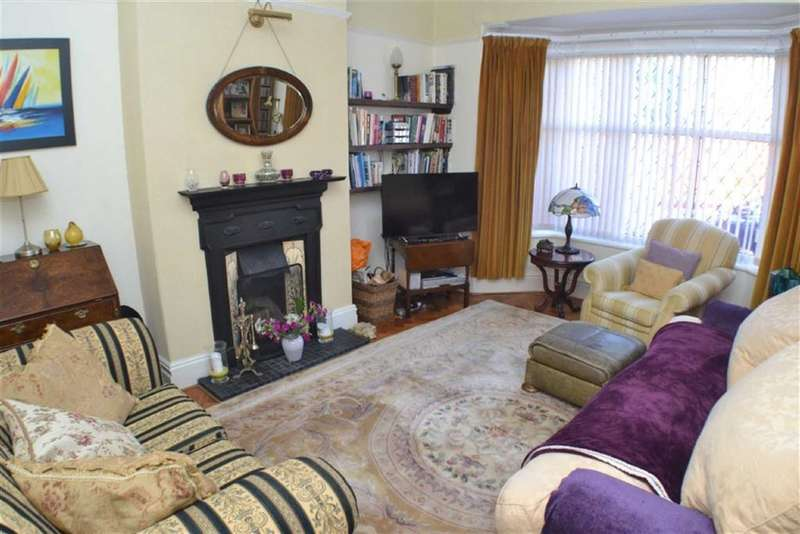 3 Bedrooms Property for sale in Kings Road, Ashton-under-lyne, Lancashire, OL6