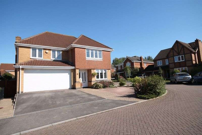 4 Bedrooms Detached House for sale in Barkers Mead, Brimsham Park