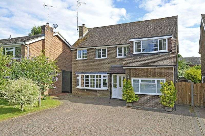 4 Bedrooms Detached House for sale in Busbridge, Godalming