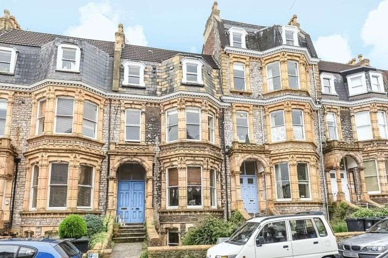 2 Bedrooms Flat for sale in Manilla Road, Clifton