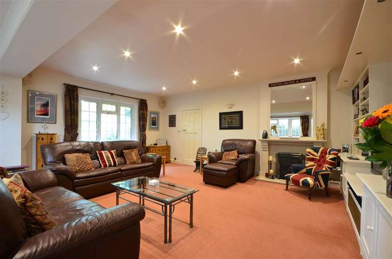5 Bedrooms Detached House for sale in Old Manor Road, Rustington, West Sussex