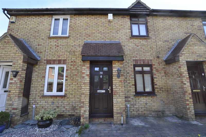2 Bedrooms Terraced House for sale in Hurrell Down, Chelmsford
