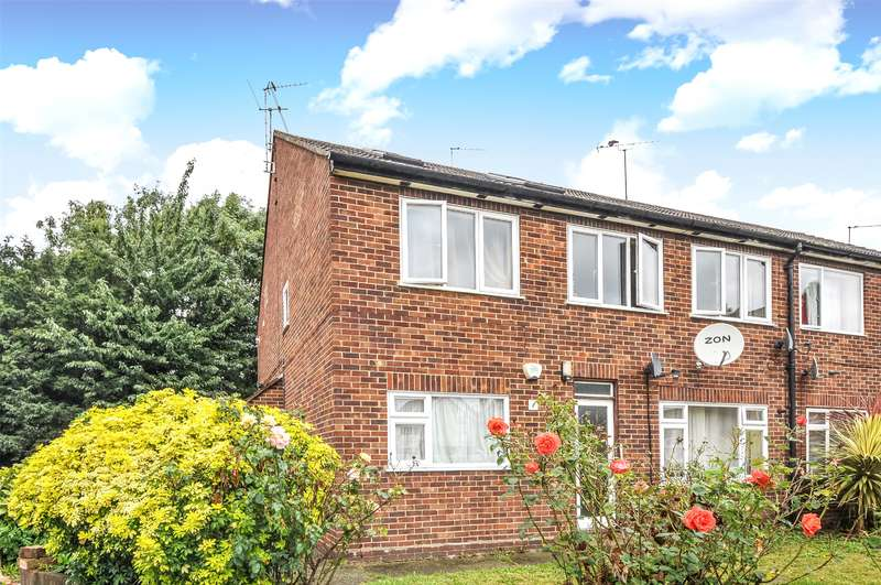 4 Bedrooms Maisonette Flat for sale in Stanley Close, Uxbridge, Middlesex, UB8