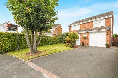 4 Bedrooms House for sale in Bunbury Drive, Runcorn, Cheshire, Higher Runcorn, WA7