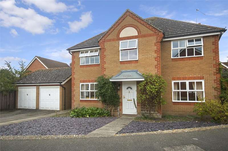 4 Bedrooms Detached House for sale in Nightingale Way, Thetford