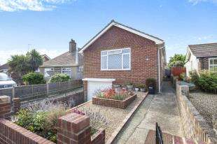 2 Bedrooms Bungalow for sale in Cairo Avenue, Peacehaven, Brighton, East Sussex