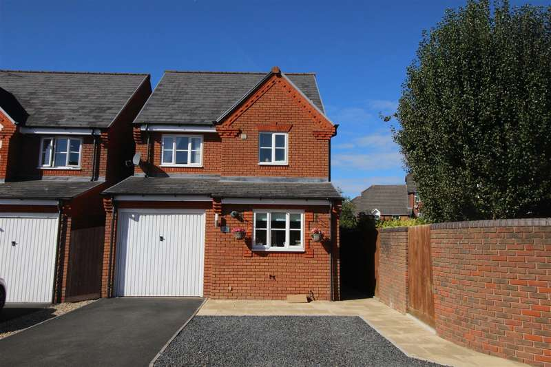4 Bedrooms Property for sale in Grovely Close, Peatmoor, Swindon