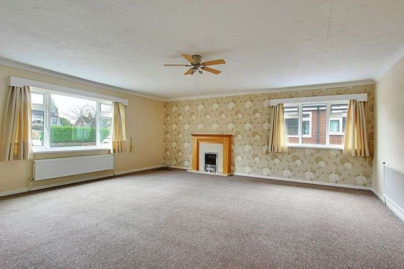 4 Bedrooms Detached Bungalow for sale in Elveley Drive, West Ella