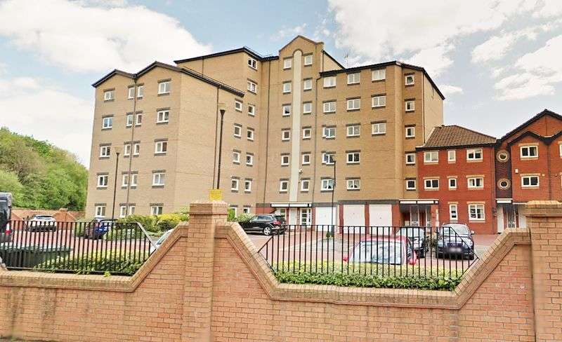 4 Bedrooms Flat for sale in Clive Street, North Shields