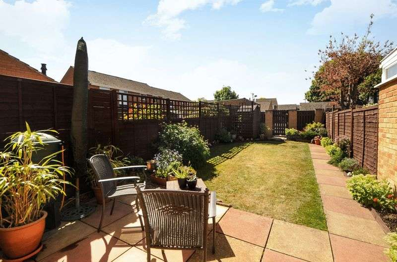 3 Bedrooms Terraced House for sale in Hedgemead Avenue, Abingdon