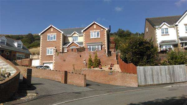 5 Bedrooms Detached House for sale in Min Y Mynydd, Tyntyla Park, Llwynypia