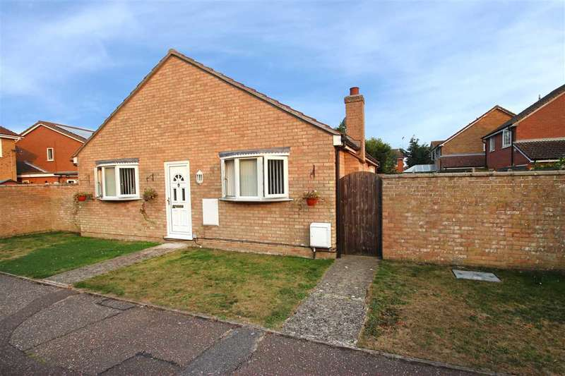 3 Bedrooms Bungalow for sale in The Spennells, Thorpe-Le-Soken