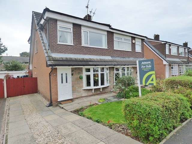 3 Bedrooms House for sale in Sunningdale Close, Burtonwood, Warrington