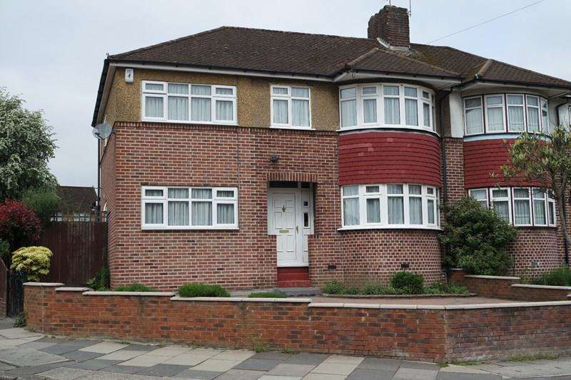 5 Bedrooms Semi Detached House for sale in Baring Road, Barnet
