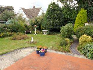 3 Bedrooms Detached House for sale in Amberley Drive, Goring Hall, Worthing, West Sussex