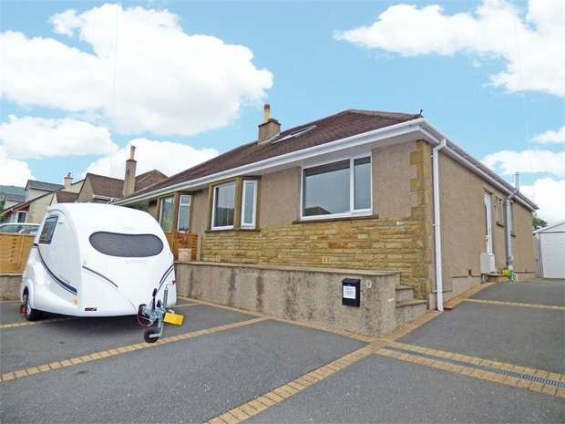 3 Bedrooms Semi Detached Bungalow for sale in Westover Avenue, Warton, Carnforth, Lancashire