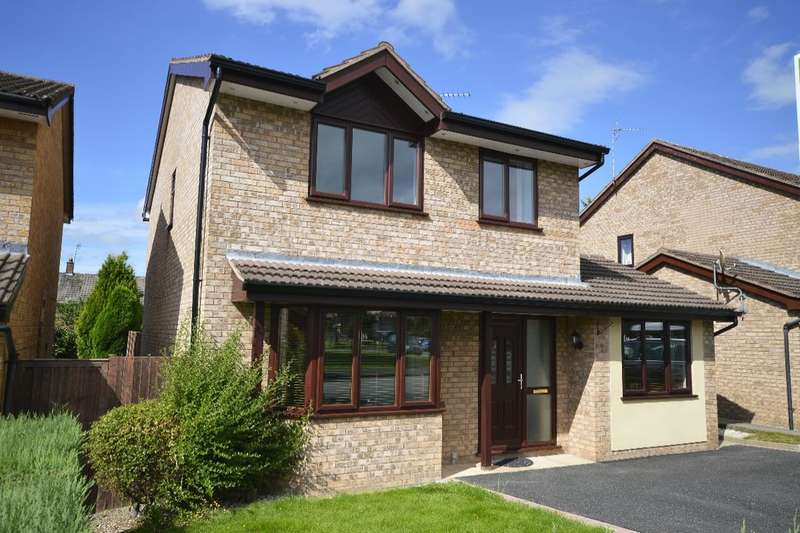 4 Bedrooms Detached House for sale in Applewood Heights, West Felton, Oswestry, SY11