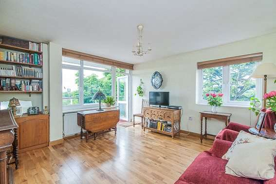 1 Bedroom Flat for sale in Morville House, Fitzhugh Grove, London, SW18