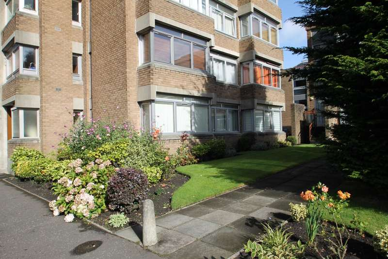 3 Bedrooms Flat for rent in Levington Avenue, Glasgow