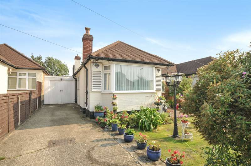 2 Bedrooms Semi Detached Bungalow for sale in Ashley Close, Pinner, Middlesex, HA5