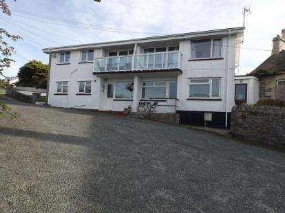 2 Bedrooms Flat for sale in Well Way, Newquay, Cornwall